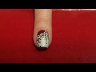 Легкий дизайн ногтей к новому году.