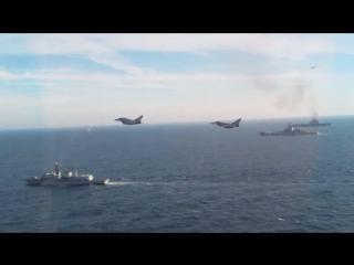 В Минобороны раскритиковали британские эскорт-услуги для крейсера Адмирал Кузнецов