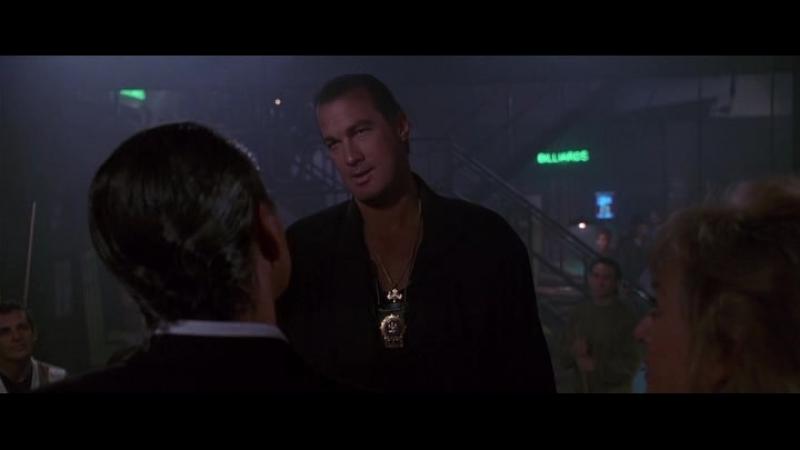 Стивен Сигал молодой, в фильме Во имя справедливости 1991 года.