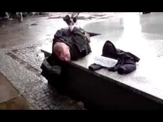Как поляки наказали вора, пойманного на ярмарке - Epic Thief Punishment In Poland