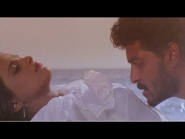 Aake Teri Bahon Mein Lata Mangeshkar S P Balasubramaniam Vansh Romantic Song смотреть онлайн без регистрации