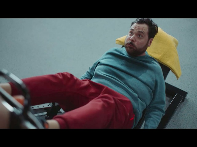 Фитнес. Его накрыла любовь и штанга в спортзале.