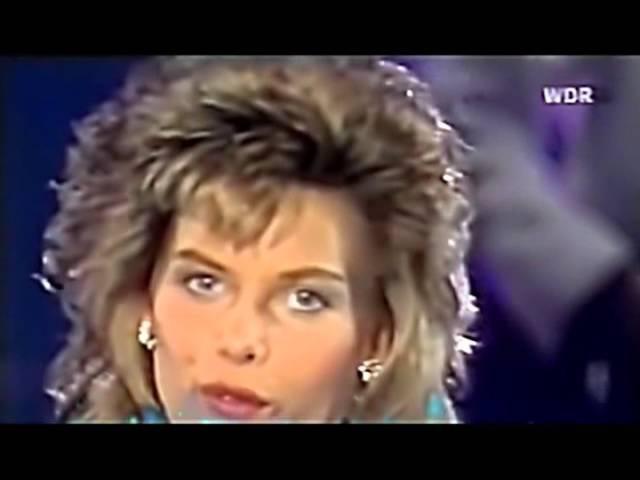 22 C C Catch Heartbreak Hotel Live 1986)