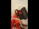 Олеся Малибу фотается в коасном платьи с цветами❤