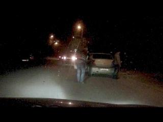 Разборки на дороге: в  Калуге водитель BMW c пистолетом пытался поставить на колени водителя «Рено»
