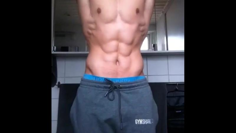 Joakim_nl - Flexing bodybuildinglifestyle fitguys fitnessmodel naturalbodybuilding ~sique instabodybuilding instamuscle