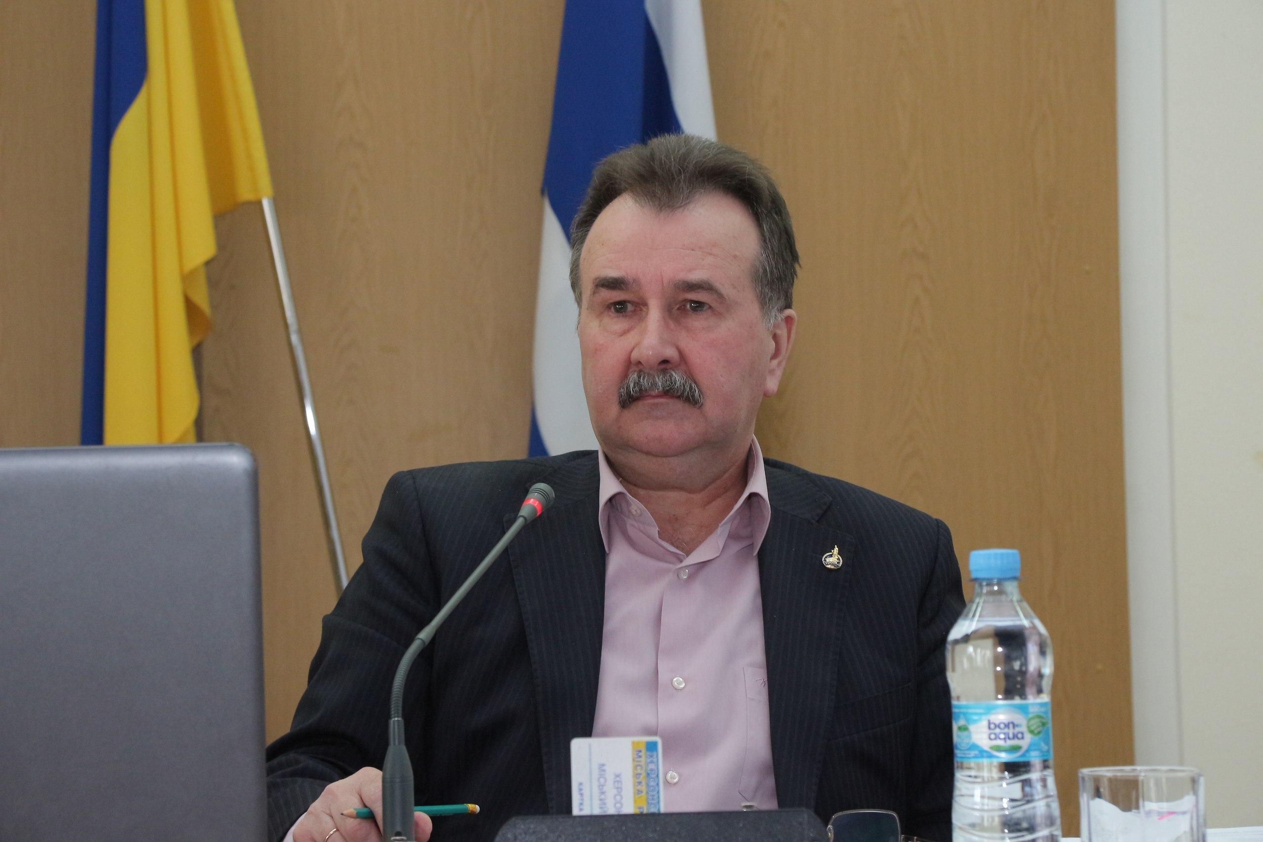 Депутат Херсонского горсовета считает, что песенка мэра спета (видео)