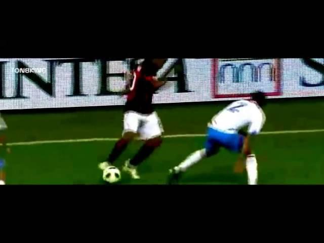 Роналдиньо лучшие финты в Милане/Best skills from Ronaldinho in Milan