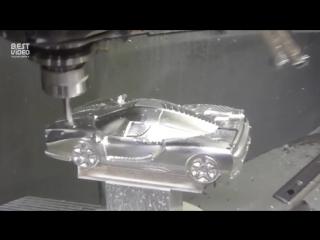 Модель Феррари на станке