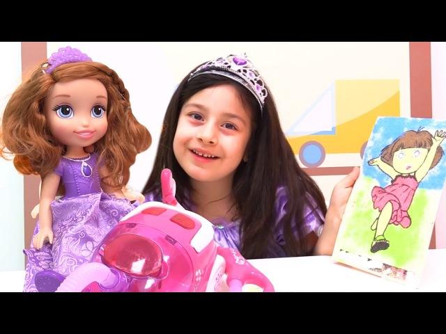 Kız oyunları. Dila Nisa ve Sofia kum ile resim yapıyorlar. Çocuk videosu Türkçe izle!