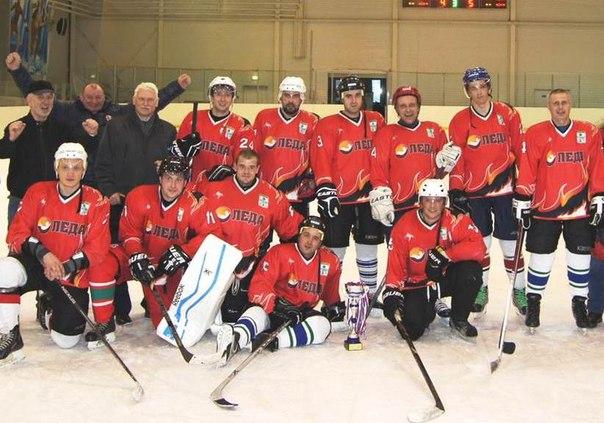 Команда Сухиничского района - победители Чемпионата Калужской области по хоккею с шайбой 2016 года