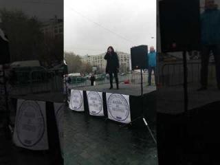 Мария Апанасик жена офицера на митинге Бездомного полка. Наболело. Офицеры - О. Газманов (cover)