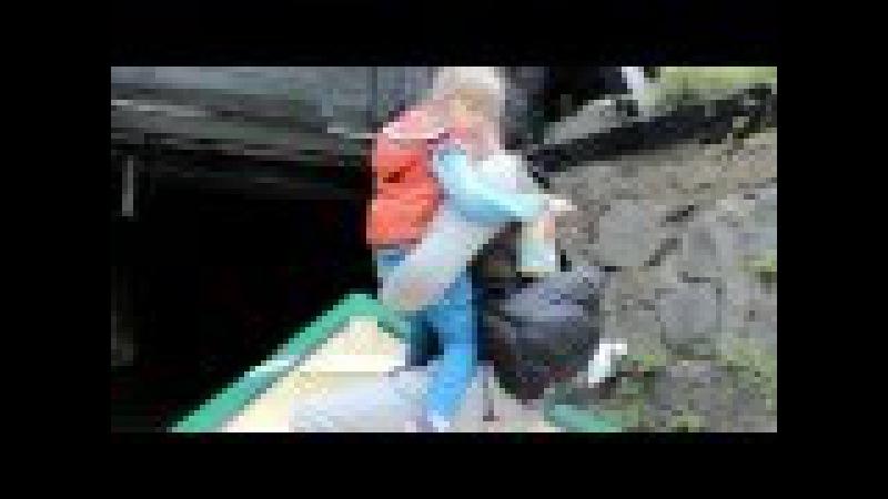 Умань Софиевский ПАРК кормим ЛЕБЕДЕЙ и катаемся НА ЛОДКЕ в подземном тунеле Sofiyivsky Park, Uman