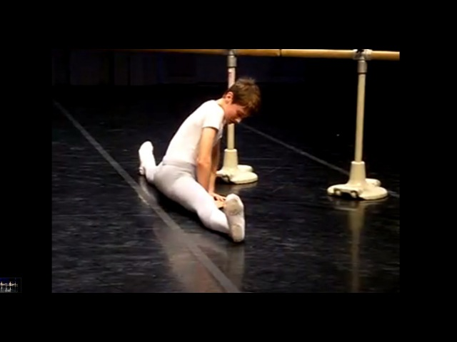 Cours de danse classique - garçons - sol et barre (ballet boys - classical dance)