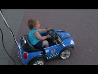 Альбертик за рулем :)