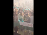 SHINee World V in Seoul Day 2 EXOs Xiumin and Suho at the concert! 160903
