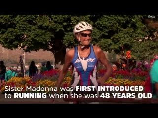 Ей 86 лет и она 46 раз участвовала в ironman