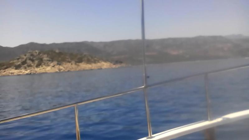 я каталася на яхті