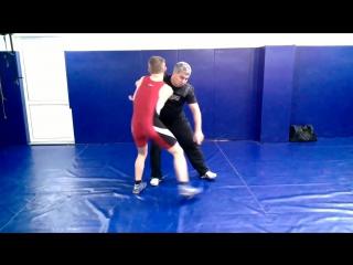 Приемы вольной борьбы в стойке , броски,техника и тактика