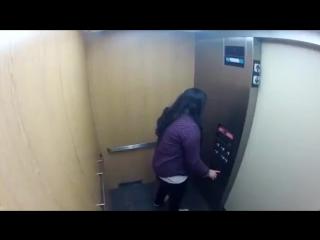 Ужасы в лифте. Дошутились [360p]