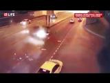 Авария с BMW в центре Москвы попала на видео.