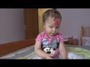 Маня делает мейк ап , красим губы маминой помадой