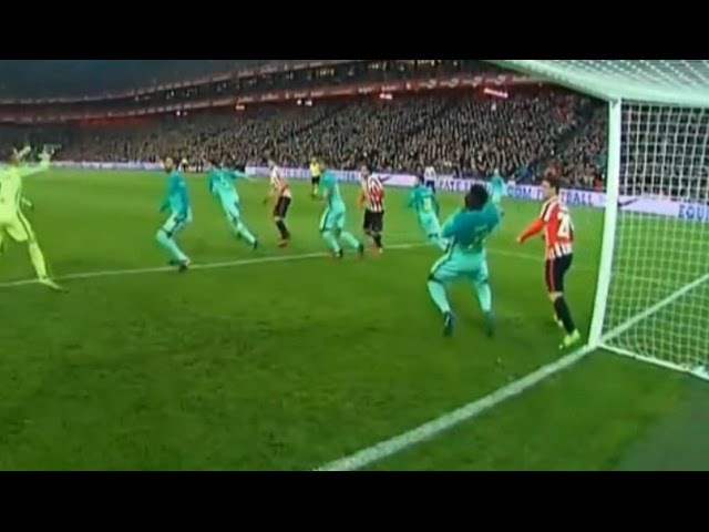 Aritz Aduriz punches Samuel Umtiti in throat - Athletic Bilbao 2-0 Barcelona