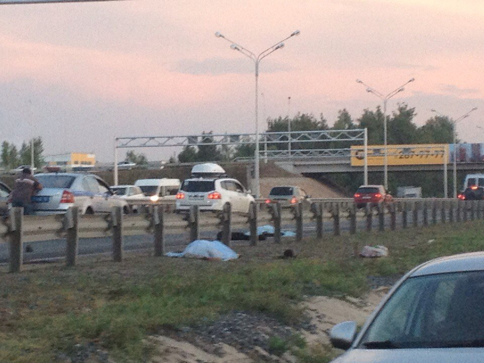 Навъезде вУфу внушительная пробка: КамАЗ сбил насмерть 2-х девушек