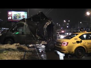 Очевидцы рассказали, как пьяный гражданин Украины протаранил 6 авто в Москве