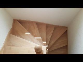 Лестница винтовая бук на бетоне
