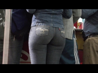 Сочная попка в джинсах/Juicy ass in jeans
