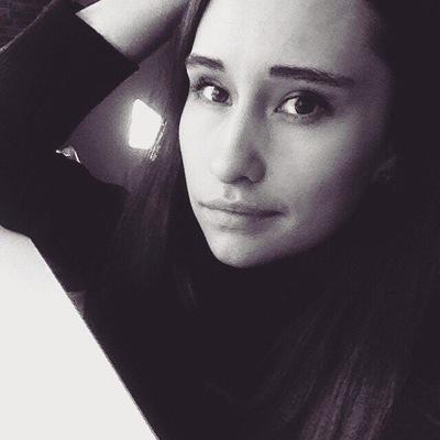 Аня Власова