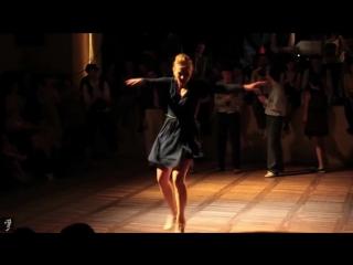 Девочка в платье из ситца бублик михаил