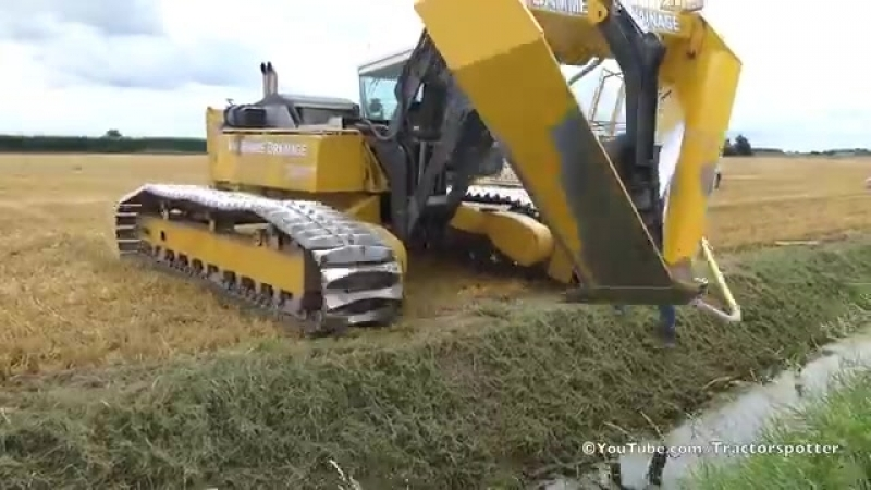 Inter-Drain GP-Series V plow _ laying trenchless field drainage _ Van Damme Drainage