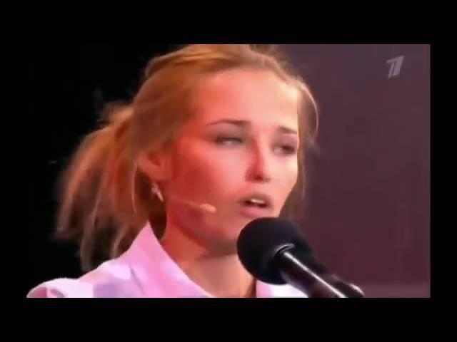 Девушка копирует голоса знаменитостей,один в один.Amazing show. Аглая Шиловская