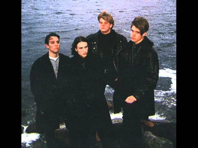 Black roses-memorium
