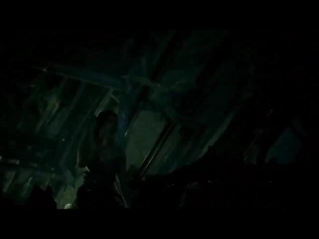 Lara Croft (slo-mo Jump) Epic Fail by ИгроОргии. Гравитация победила.