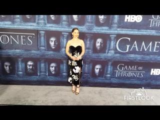 Эмилия Кларк на премьере шестого сезона сериала ИГРА ПРЕСТОЛОВ в Лос - Анджелесе