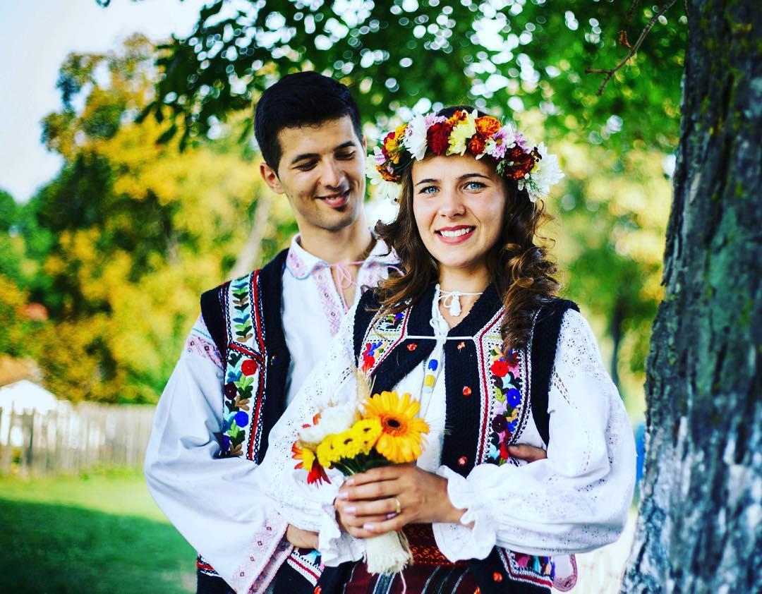 z1vygtc2lQ - Национальные свадебные платья
