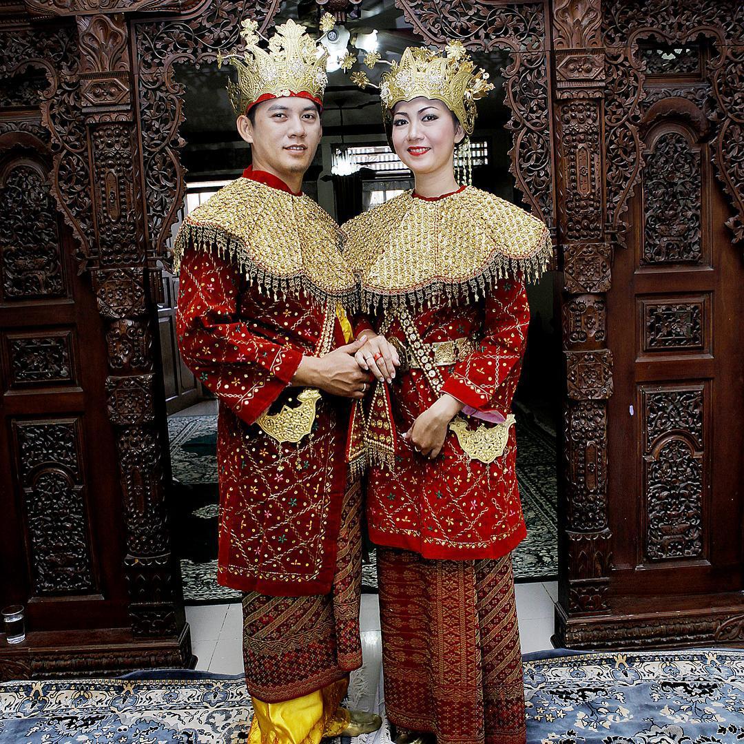 29GUwyyZEqk - Национальные свадебные платья
