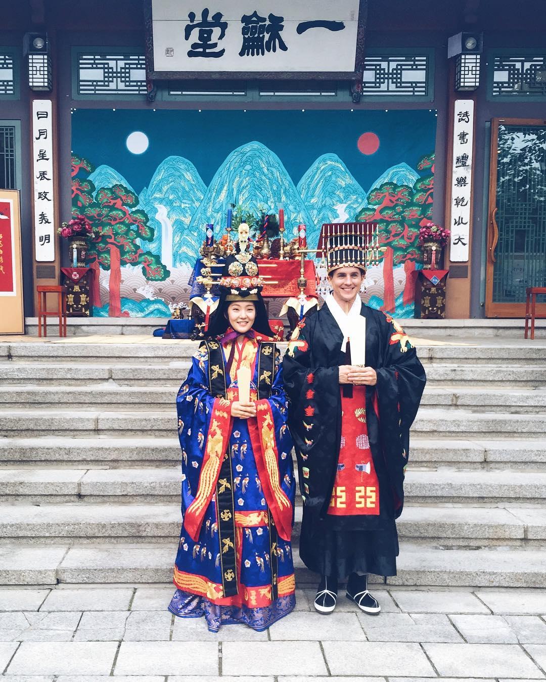 5u c22RpLCk - Национальные свадебные платья