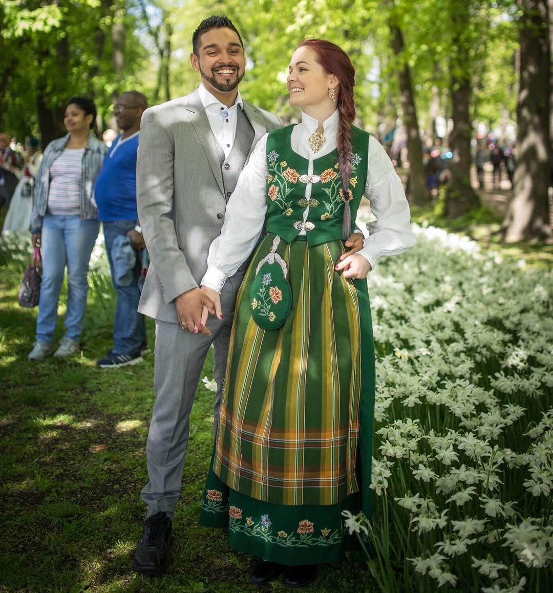 WQWobLToIrU - Национальные свадебные платья