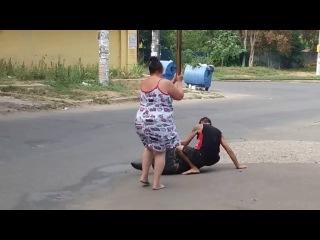 Бонни и Клайд - против бомжа Bonnie and Clyde vs Vagabond