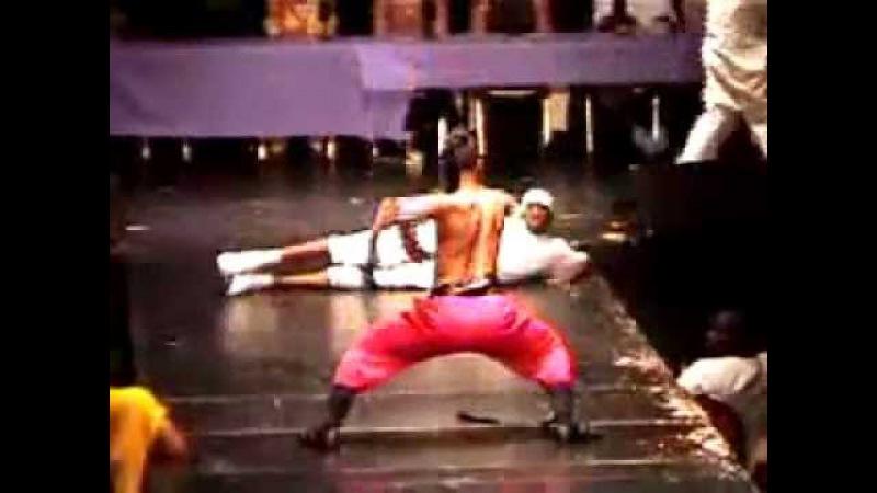 VOGUE Vogueing The Old Way Icon Jamal Milan at Latex 2002 Crouching Tiger