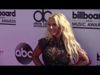 Britney Spears, Demi Lovato, Jessica Alba en Lenceria