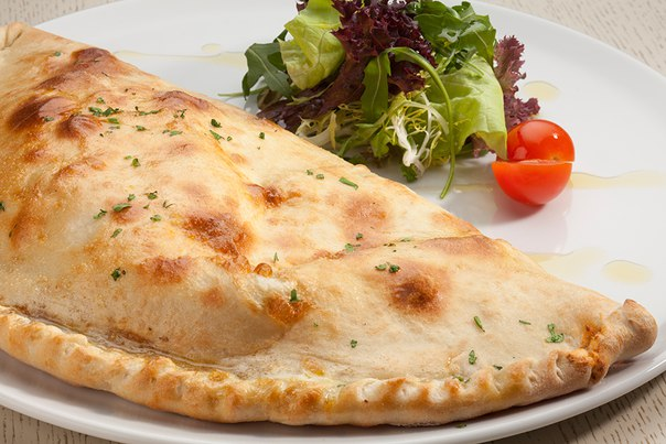 Закрытая пицца рецепт фото колбасой