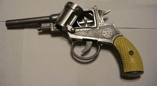 Картинки по запросу Личное оружие из детства