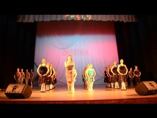 наши девчули на открытии фестиваля