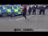 Нападение с ножом на сотрудников полиции (Великобритания)