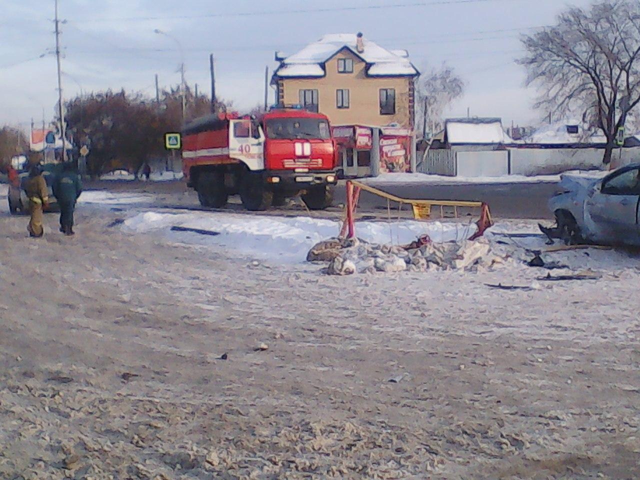 Нетрезвый гражданин Тюмени на«Форде» сбил пешехода иврезался вгазопровод